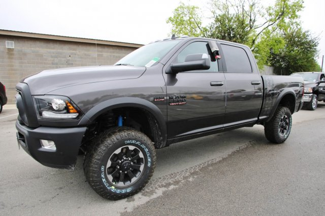 2017 Ram 2500 Crew Cab 4x4, Pickup #TG647501 - photo 3