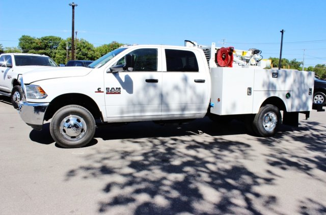 2017 Ram 3500 Crew Cab DRW 4x4, Stahl Service Body #TG651731 - photo 3