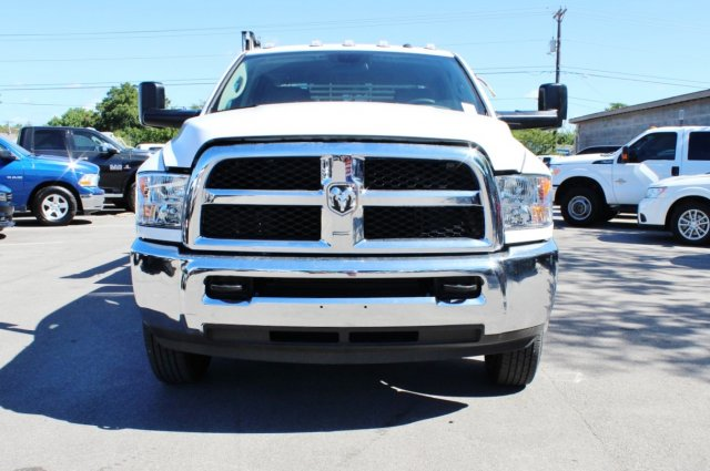 2017 Ram 3500 Crew Cab DRW 4x4, Service Body #TG651731 - photo 4