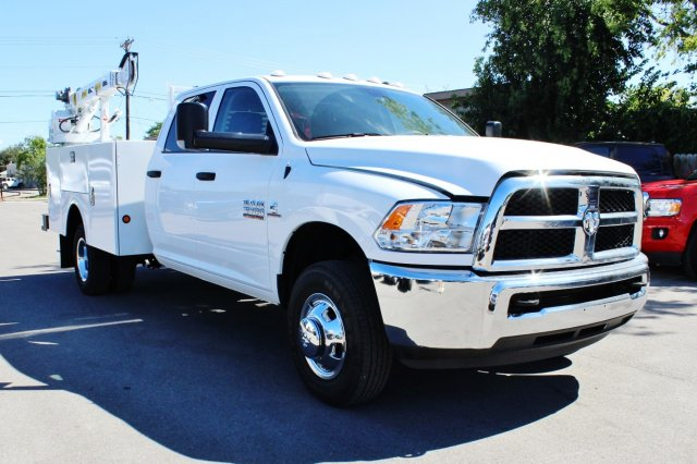 2017 Ram 3500 Crew Cab DRW 4x4, Service Body #TG651731 - photo 5
