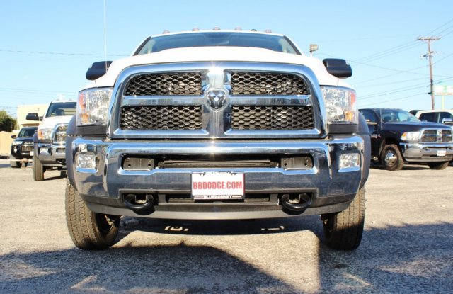 2017 Ram 5500 Crew Cab DRW 4x4, CM Truck Beds Flatbed #TG653618 - photo 4