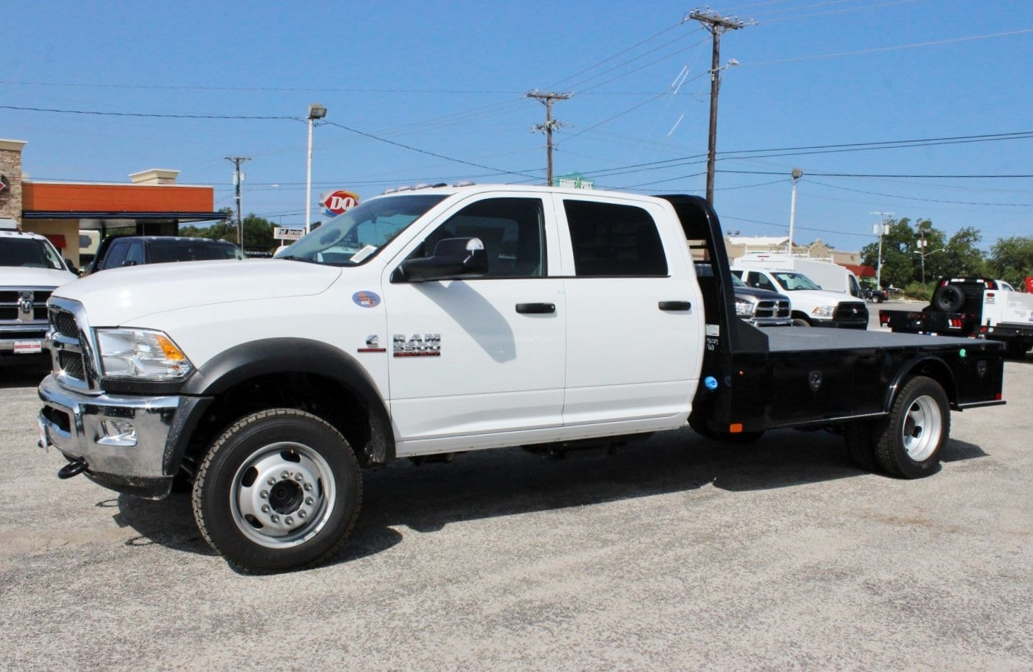 2017 Ram 5500 Crew Cab DRW 4x4 Flatbed #TG653619 - photo 4