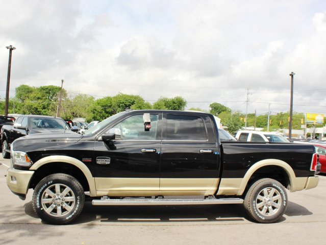 2017 Ram 2500 Crew Cab 4x4, Pickup #TG664300 - photo 4