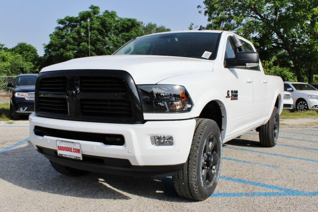 2017 Ram 2500 Crew Cab 4x4, Pickup #TG671342 - photo 3