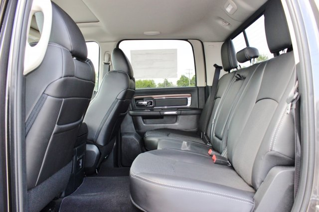 2017 Ram 2500 Crew Cab 4x4, Pickup #TG685216 - photo 11
