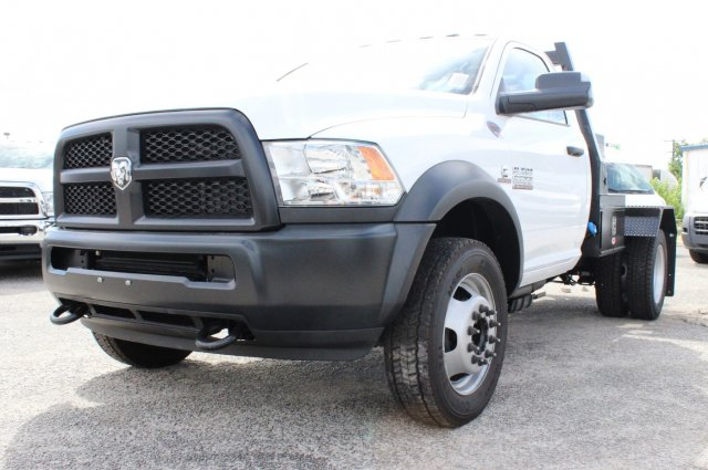 2017 Ram 5500 Regular Cab DRW 4x4 Hauler Body #TG686738 - photo 3