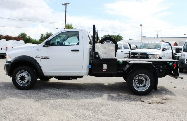 2017 Ram 5500 Regular Cab DRW 4x4 Hauler Body #TG686738 - photo 4