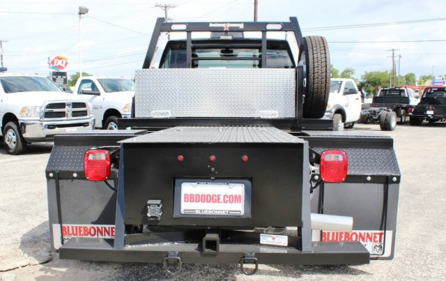 2017 Ram 5500 Regular Cab DRW 4x4 Hauler Body #TG686738 - photo 2