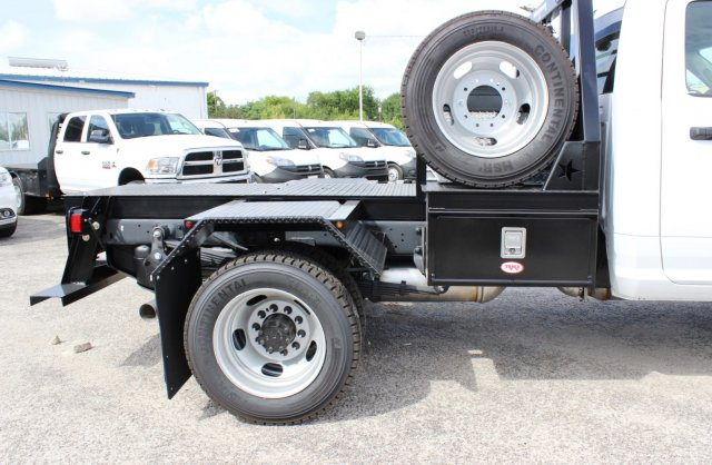2017 Ram 5500 Regular Cab DRW 4x4 Hauler Body #TG686738 - photo 6