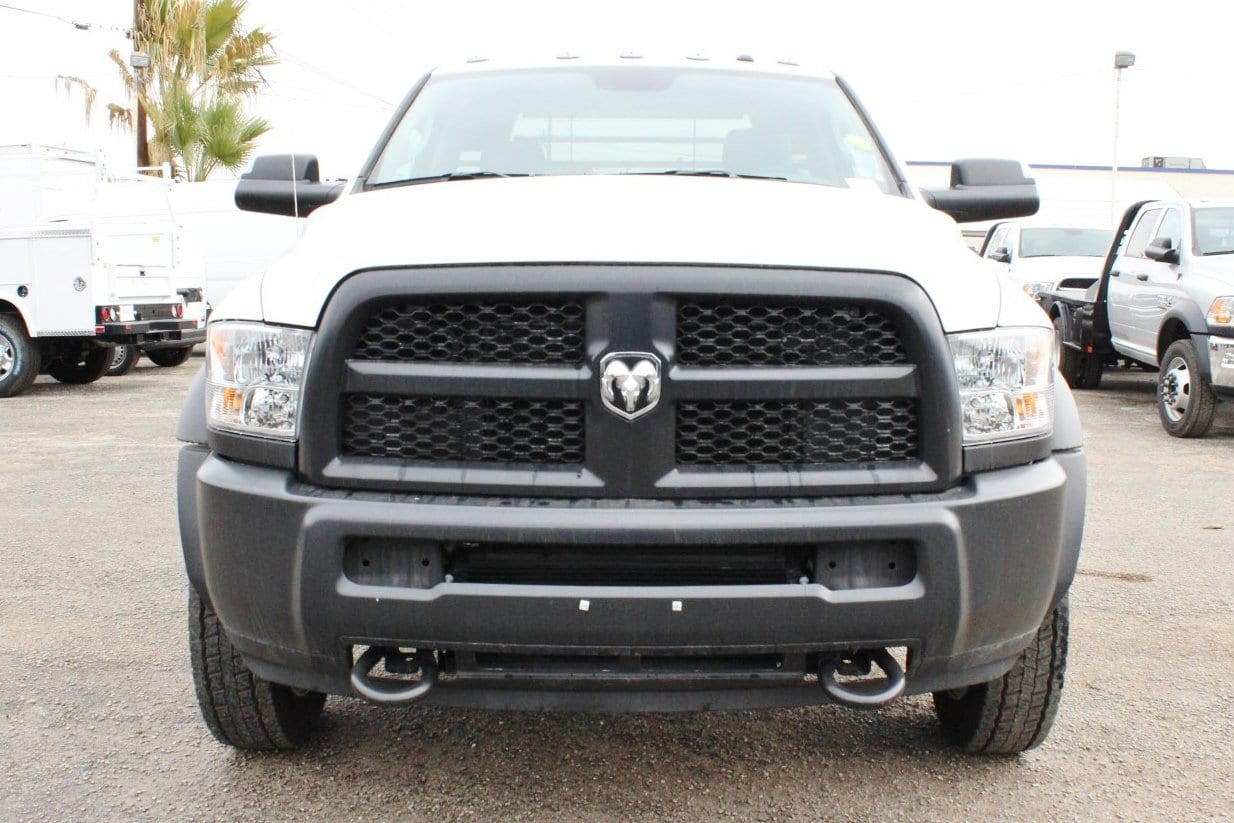 2017 Ram 5500 Regular Cab DRW 4x4, Hauler Body #TG686738 - photo 5