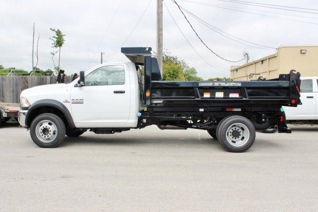 2017 Ram 5500 Regular Cab DRW 4x4, Dump Body #TG695538 - photo 3