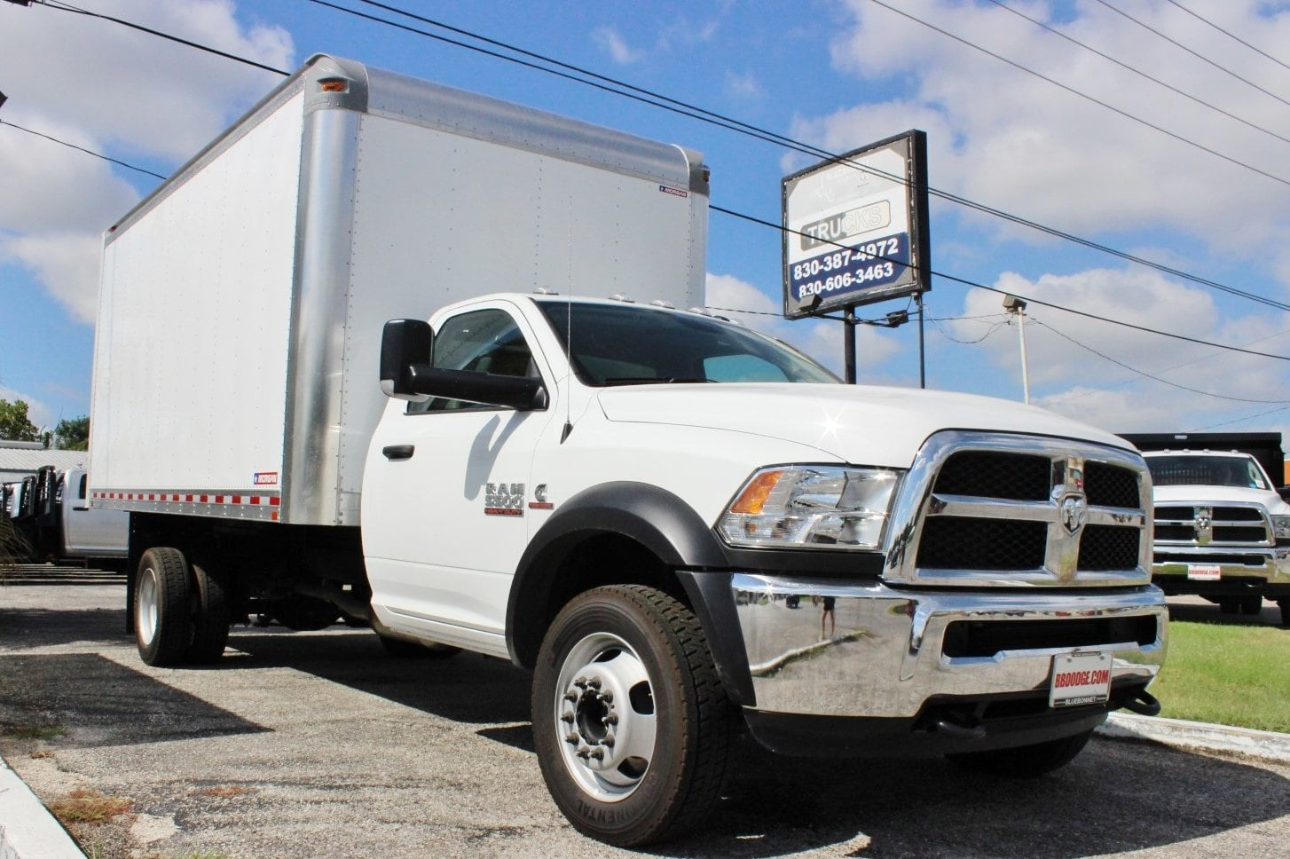 2017 Ram 5500 Regular Cab DRW Dry Freight #TG695812 - photo 3