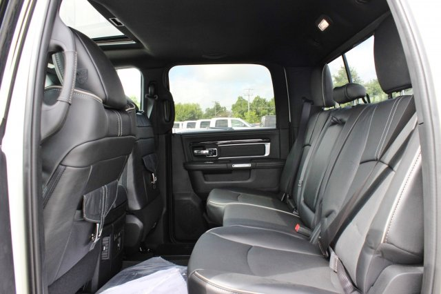 2017 Ram 2500 Crew Cab 4x4 Pickup #TG715764 - photo 9