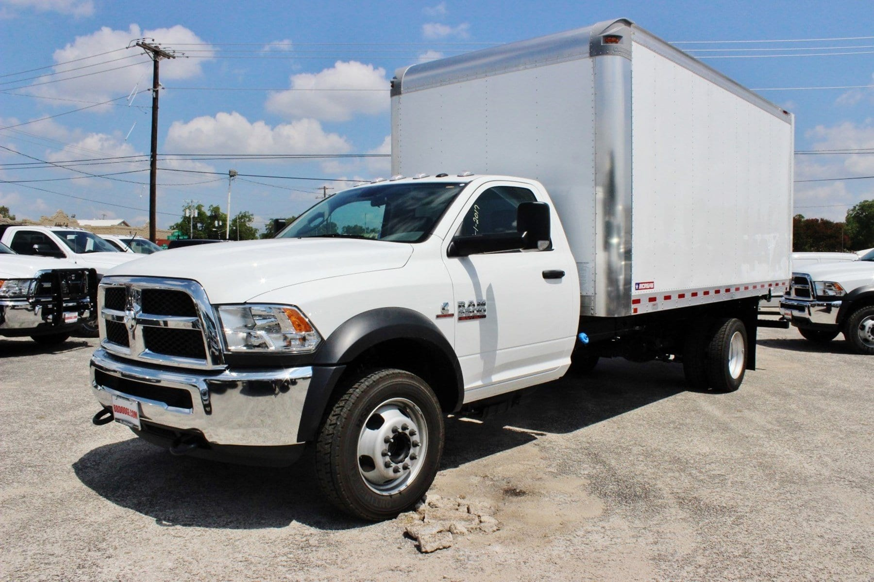 2017 Ram 5500 Regular Cab DRW Dry Freight #TG728125 - photo 3