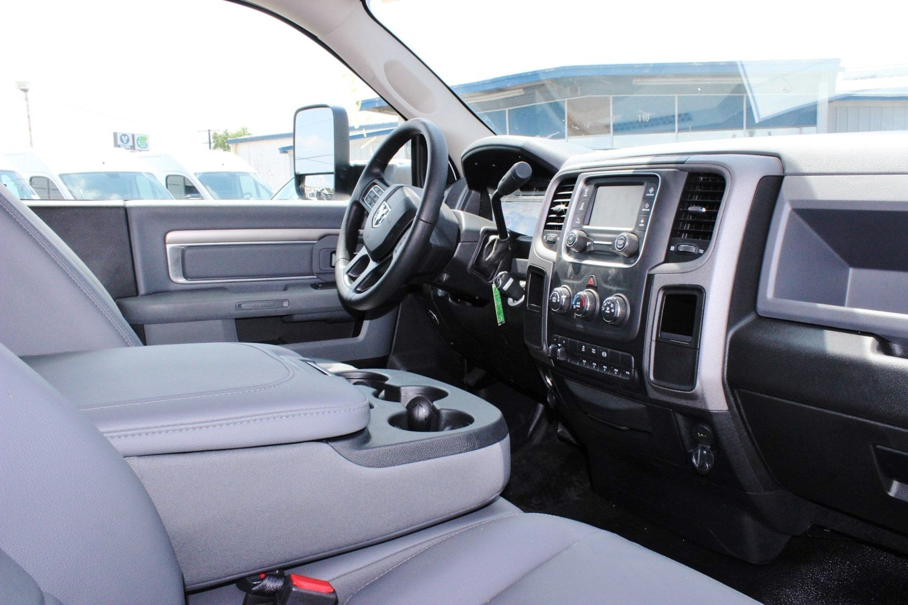 2017 Ram 5500 Regular Cab DRW Dry Freight #TG728125 - photo 8