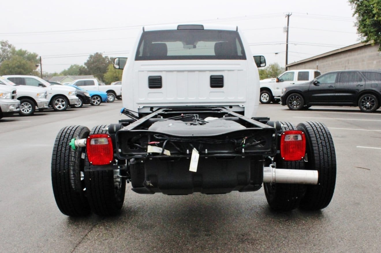 2017 Ram 3500 Regular Cab DRW Cab Chassis #TG737473 - photo 2