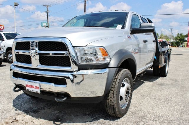 2017 Ram 4500 Crew Cab DRW 4x4, Flatbed #TG738163 - photo 3