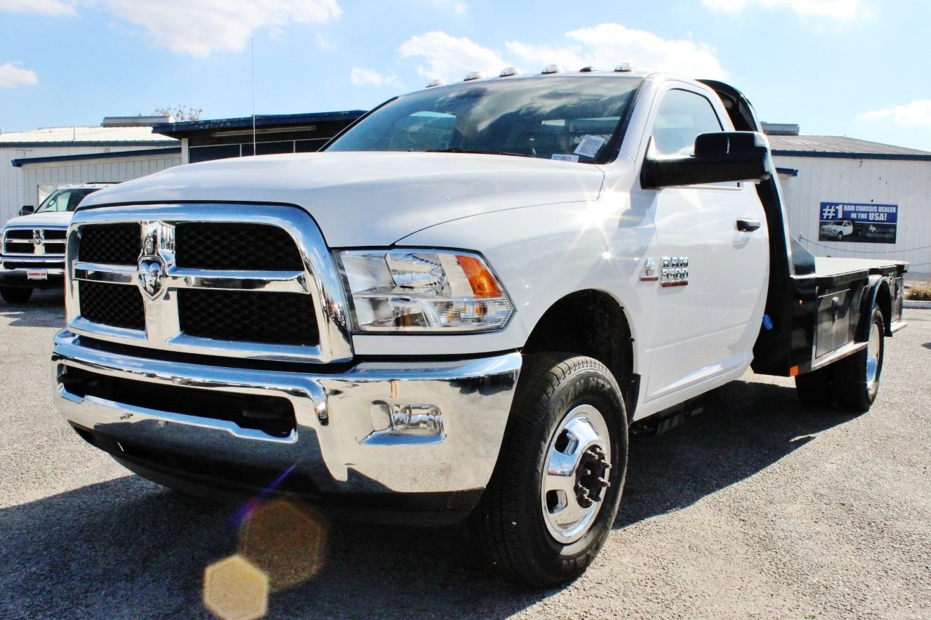 2017 Ram 3500 Regular Cab DRW 4x4 Flatbed #TG739878 - photo 1