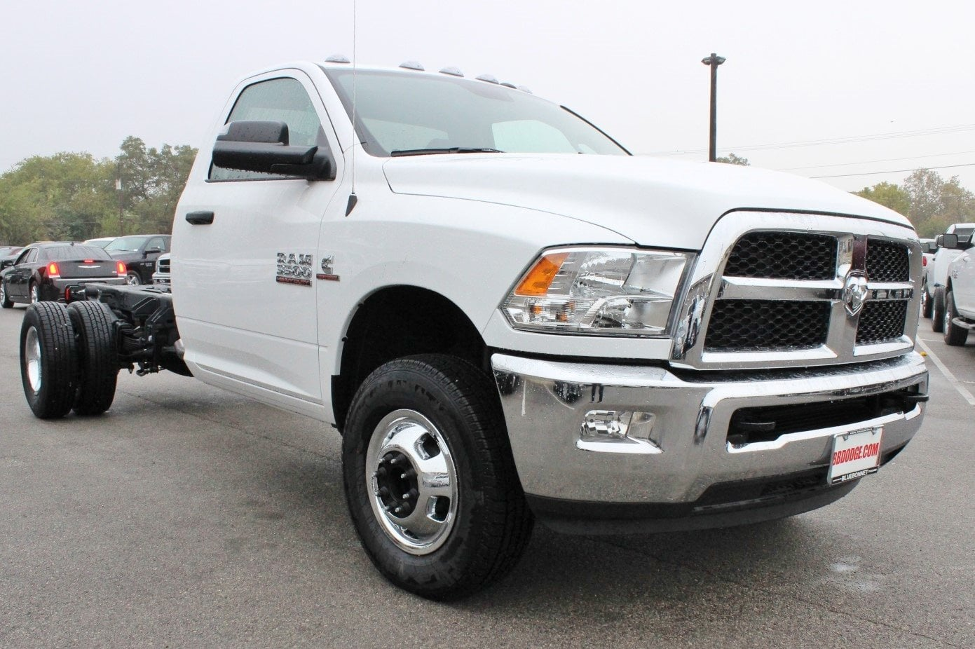 2017 Ram 3500 Regular Cab DRW 4x4 Cab Chassis #TG739879 - photo 5