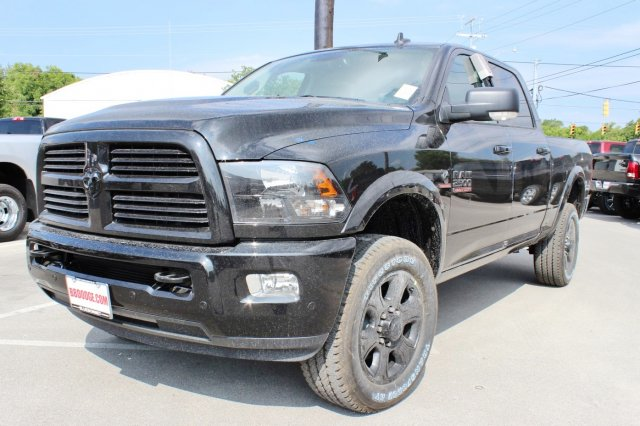 2017 Ram 2500 Crew Cab 4x4 Pickup #TG748246 - photo 3