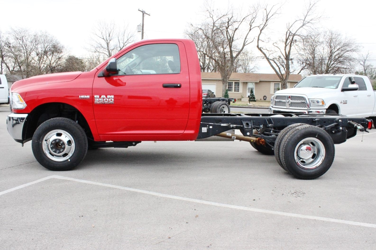2017 Ram 3500 Regular Cab DRW Cab Chassis #TG758755 - photo 4