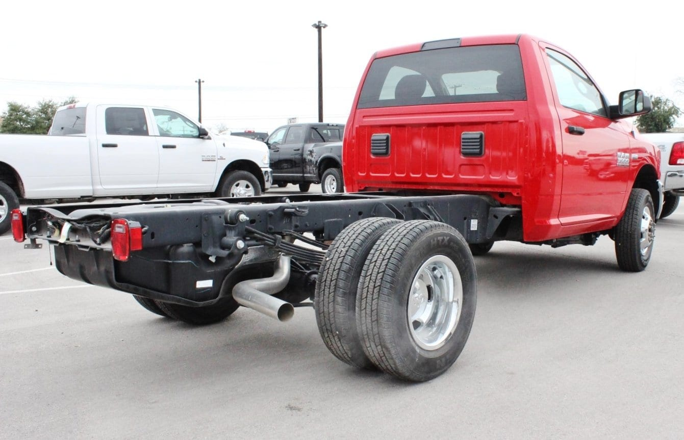 2017 Ram 3500 Regular Cab DRW Cab Chassis #TG758755 - photo 2