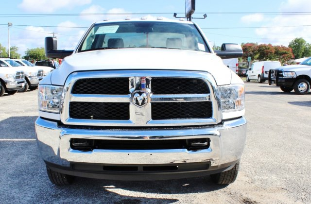 2017 Ram 3500 Regular Cab DRW 4x4, Stahl Service Body #TG758853 - photo 4