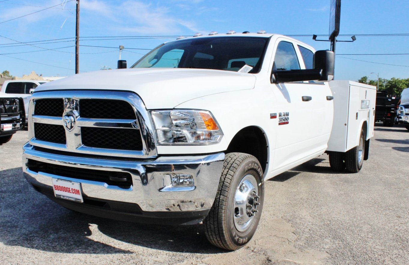 2017 Ram 3500 Crew Cab DRW 4x4, Service Body #TG758939 - photo 3