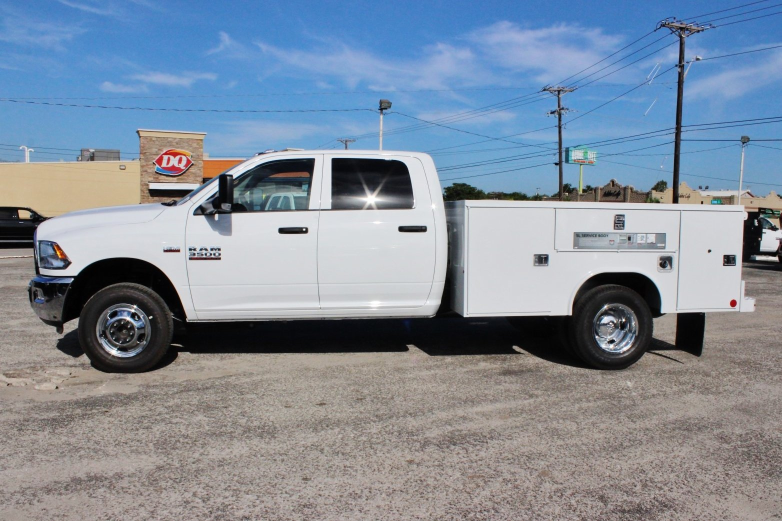 2017 Ram 3500 Crew Cab DRW 4x4, Service Body #TG758939 - photo 4