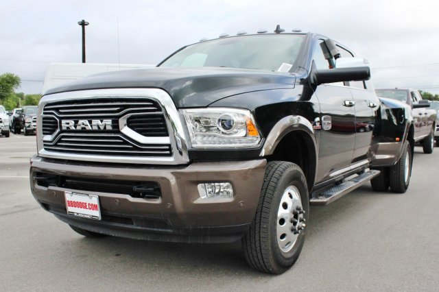 2017 Ram 3500 Mega Cab DRW 4x4, Pickup #TG766036 - photo 3