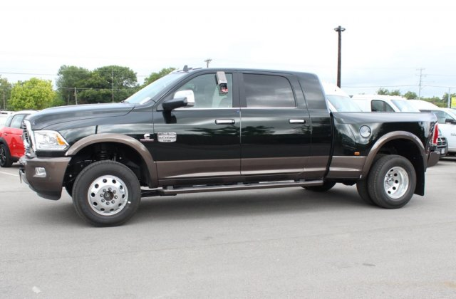 2017 Ram 3500 Mega Cab DRW 4x4, Pickup #TG766036 - photo 4