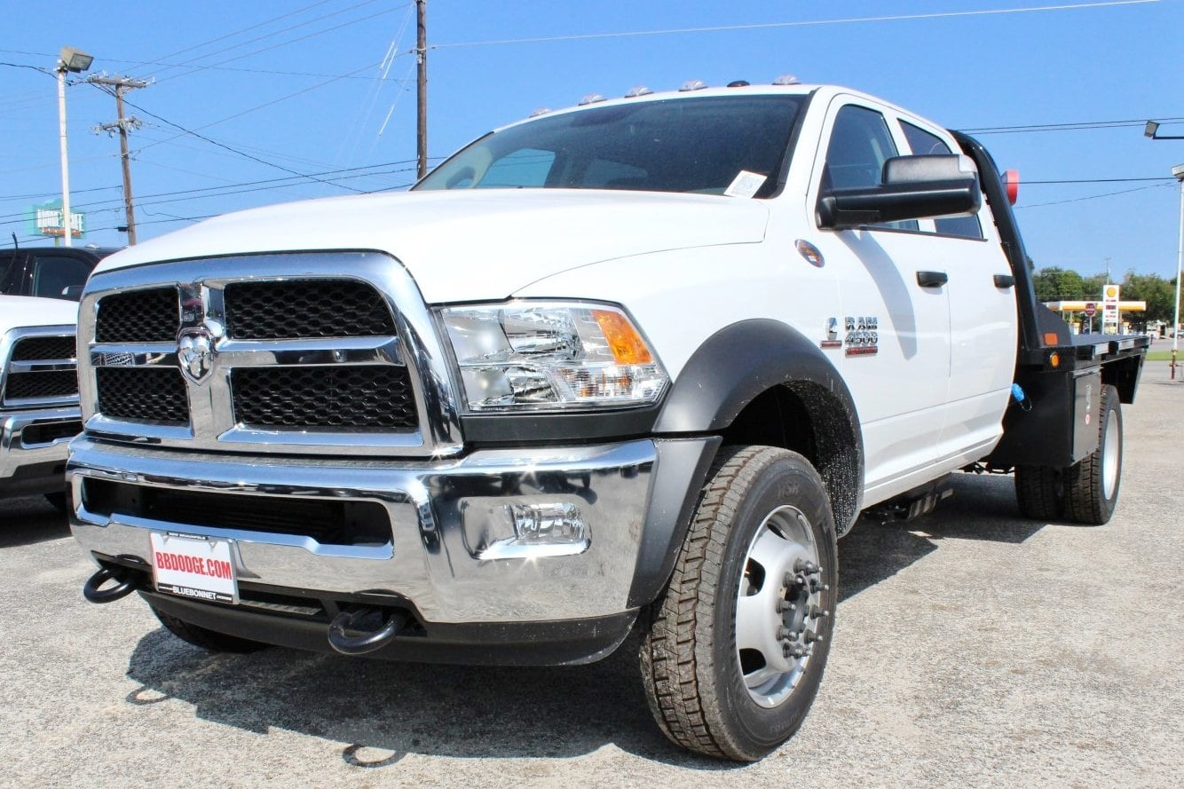 2017 Ram 4500 Crew Cab DRW 4x4, Flatbed #TG768633 - photo 3