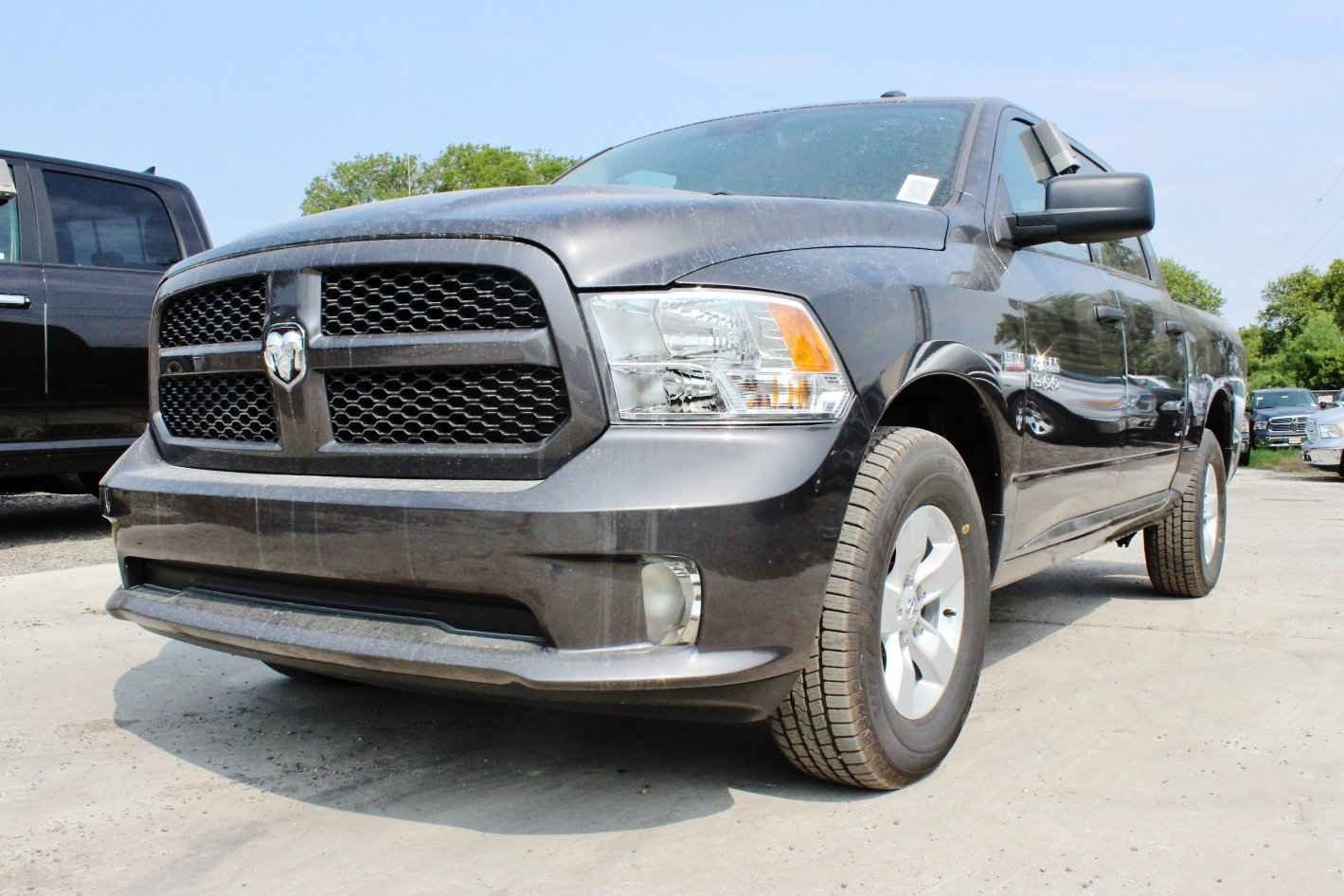2017 Ram 1500 Crew Cab, Pickup #TG782832 - photo 3