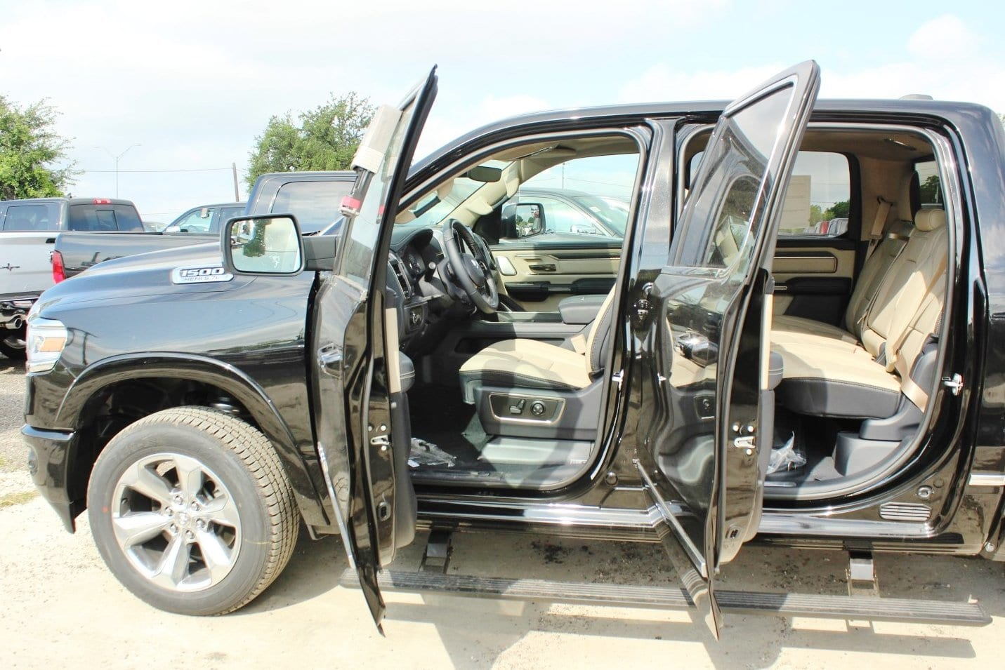 2019 Ram 1500 Crew Cab 4x4,  Pickup #TN512182 - photo 15