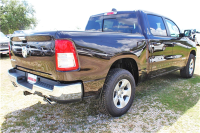 2019 Ram 1500 Crew Cab 4x2,  Pickup #TN576492 - photo 2
