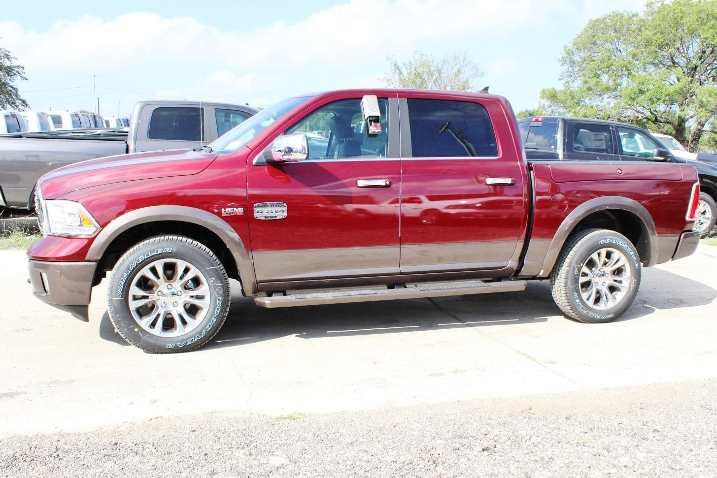 2018 Ram 1500 Crew Cab 4x4 Pickup #TS103591 - photo 4