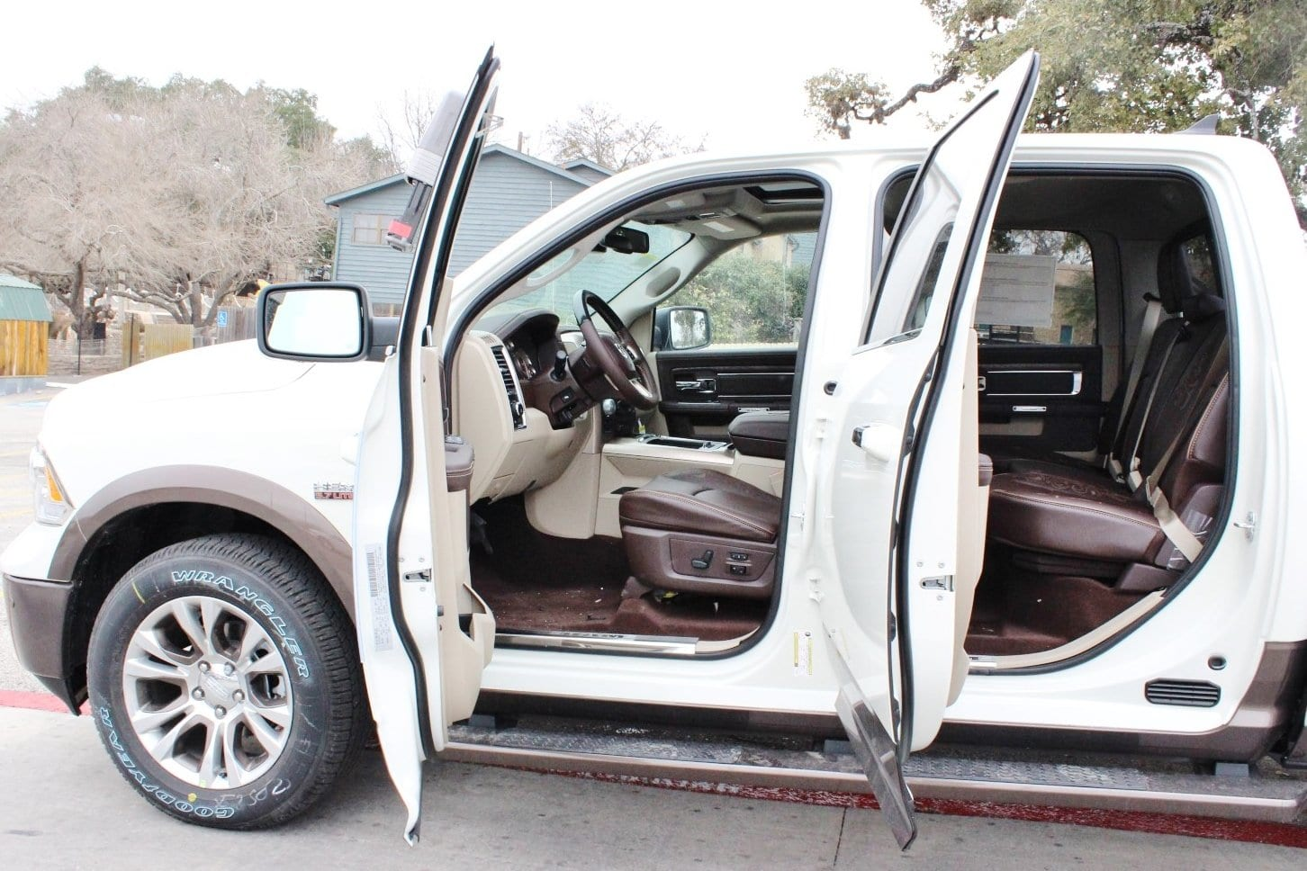 2018 Ram 1500 Crew Cab 4x4, Pickup #TS103592 - photo 15