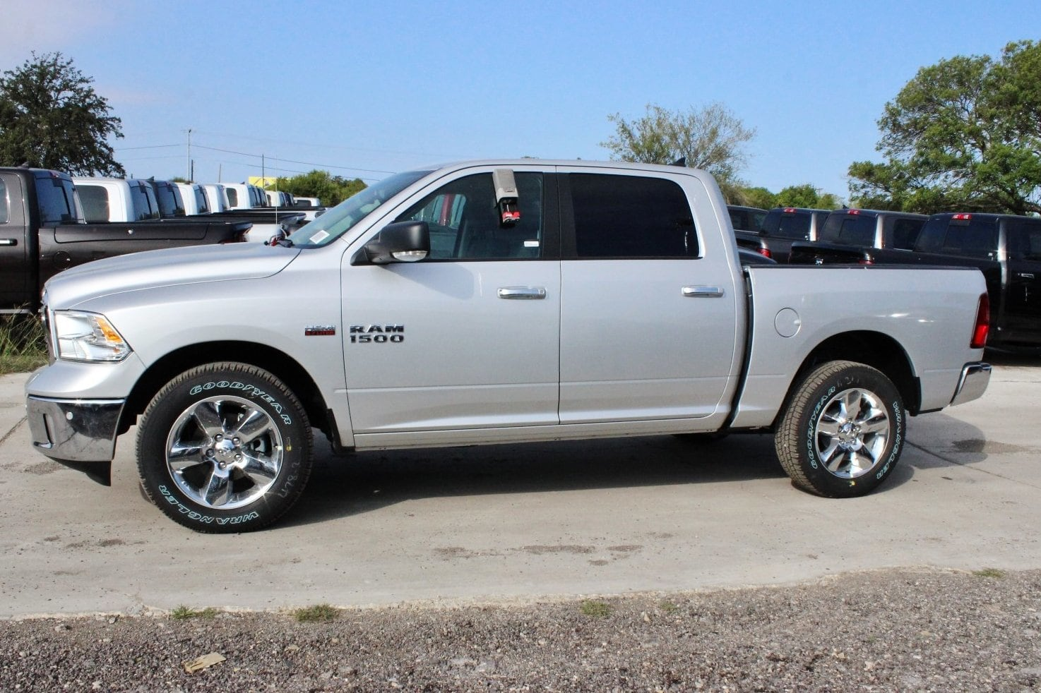 2018 Ram 1500 Crew Cab 4x4, Pickup #TS111045 - photo 4