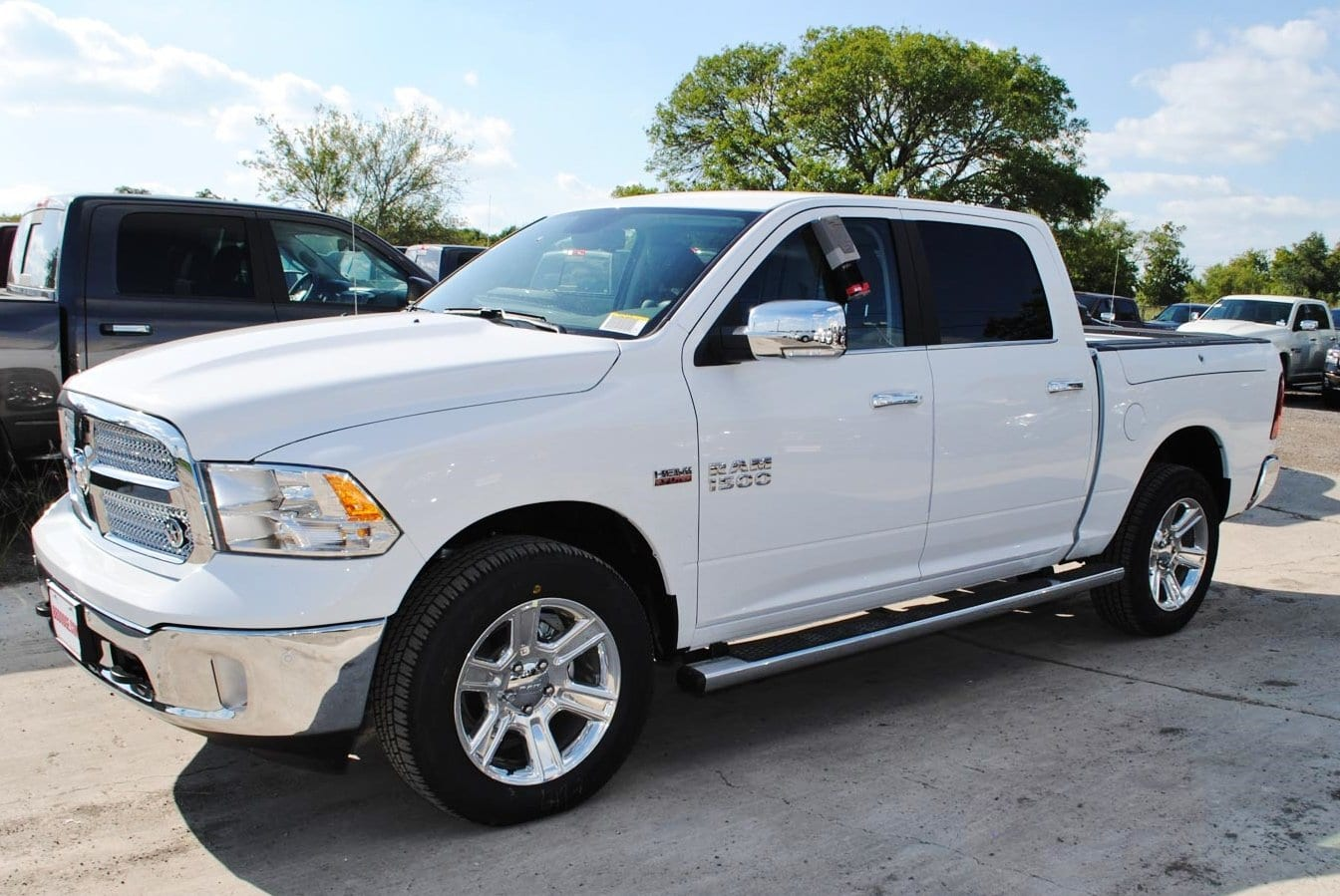 2018 Ram 1500 Crew Cab 4x4, Pickup #TS122173 - photo 3