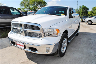2018 Ram 1500 Crew Cab 4x4, Pickup #TS122173 - photo 1