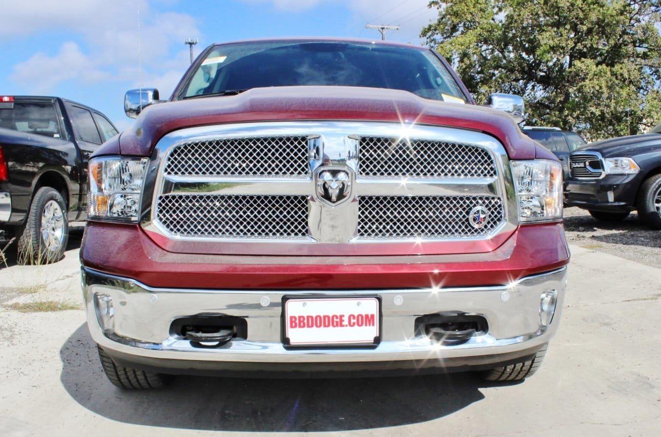 2018 Ram 1500 Crew Cab 4x4, Pickup #TS122175 - photo 5