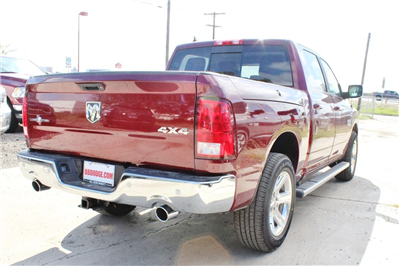 2018 Ram 1500 Crew Cab 4x4, Pickup #TS122175 - photo 2