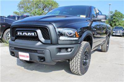 2018 Ram 1500 Crew Cab 4x4 Pickup #TS135791 - photo 3