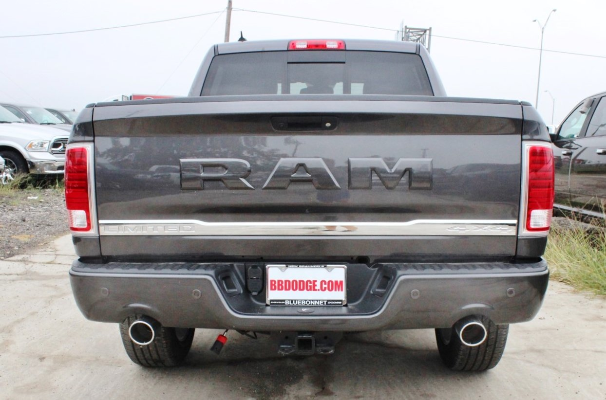 2018 Ram 1500 Crew Cab 4x4 Pickup #TS139790 - photo 14