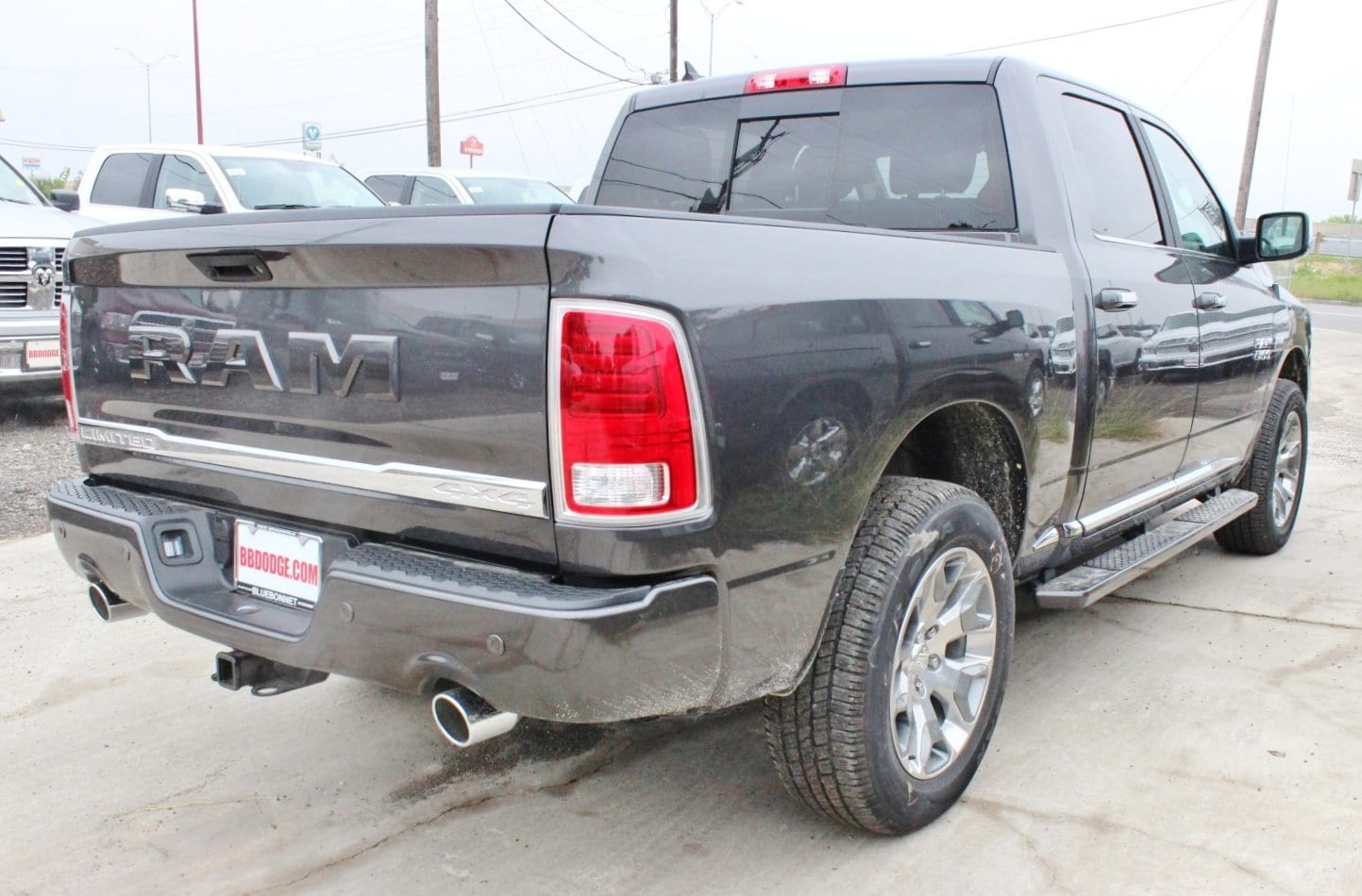 2018 Ram 1500 Crew Cab 4x4 Pickup #TS139790 - photo 2