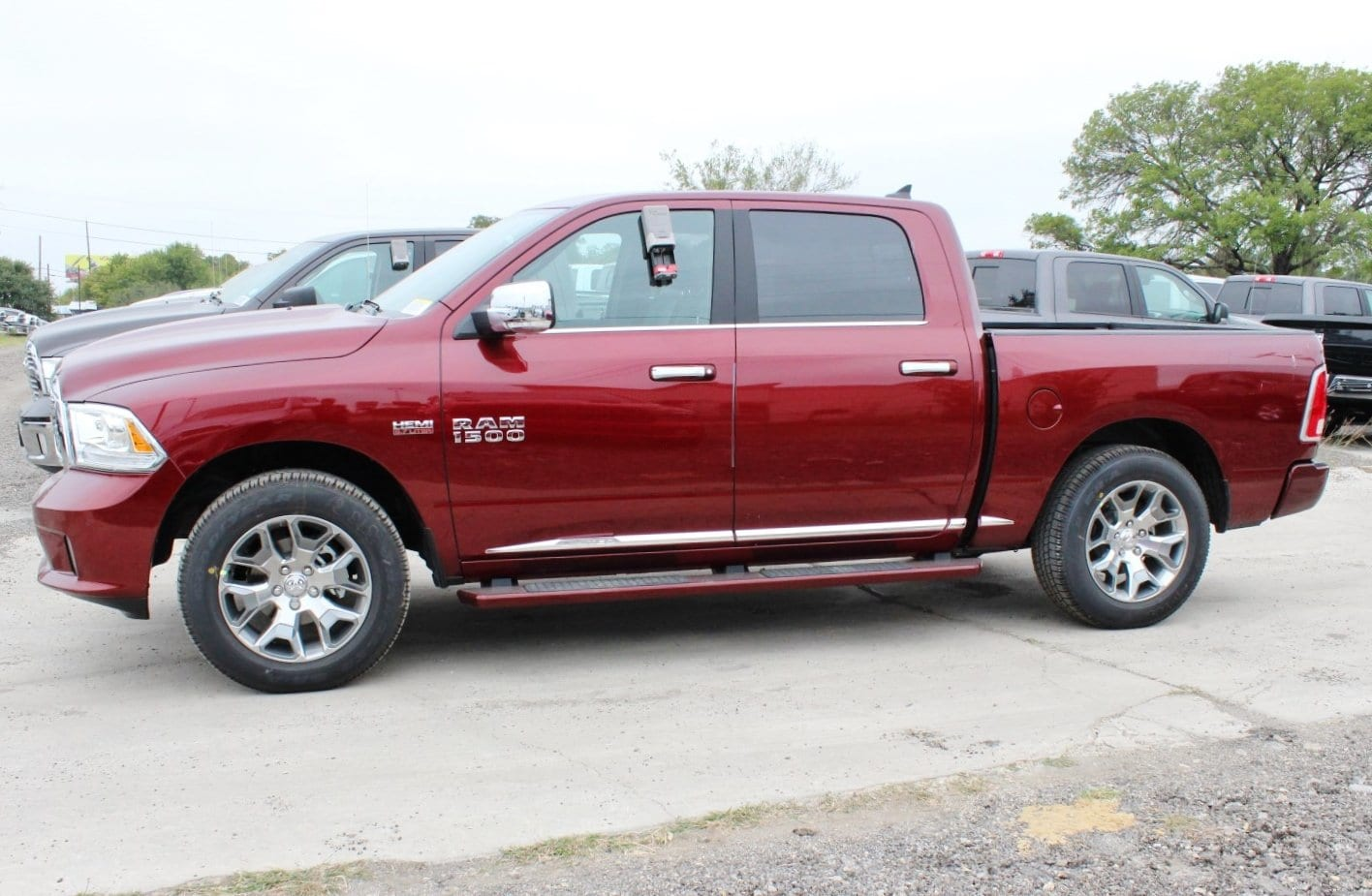 2018 Ram 1500 Crew Cab 4x4 Pickup #TS139791 - photo 3
