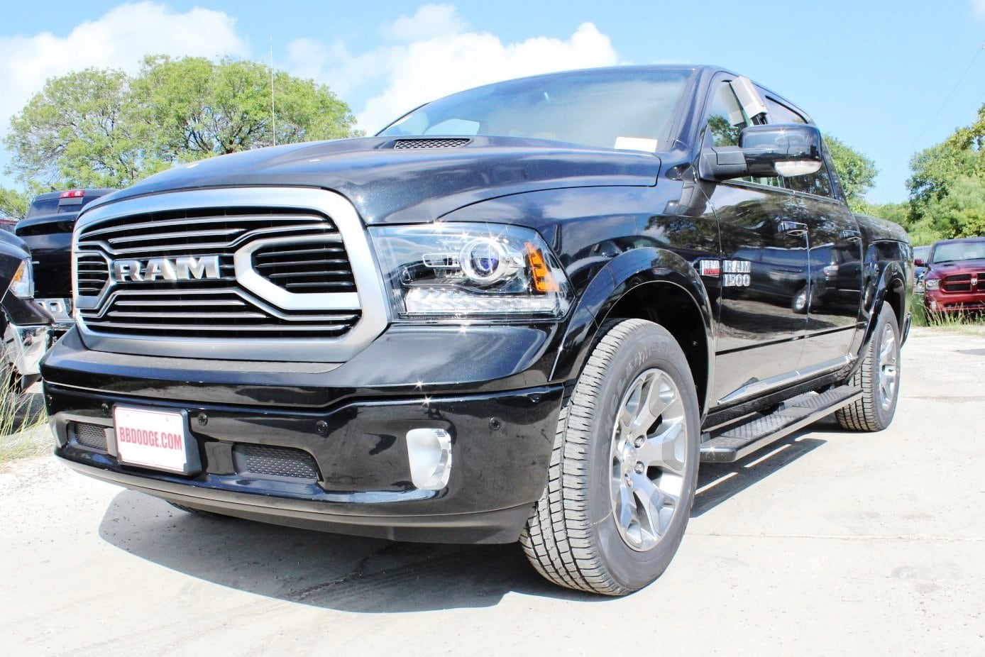 2018 Ram 1500 Crew Cab 4x4 Pickup #TS141923 - photo 3