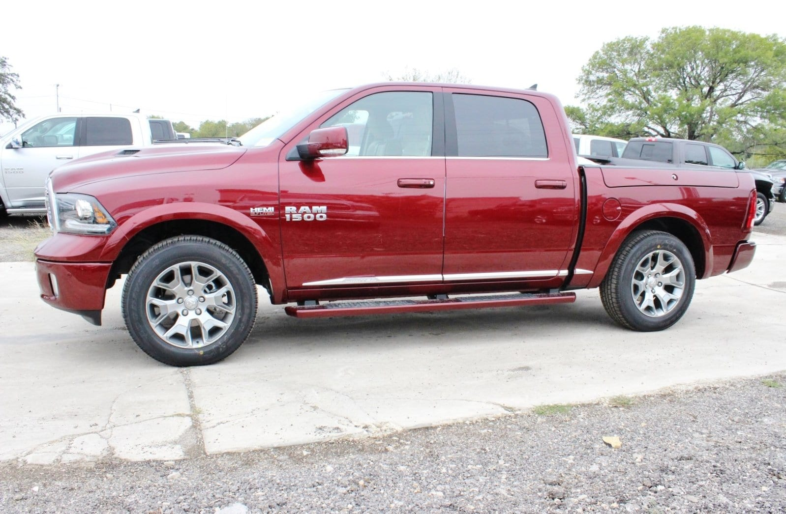 2018 Ram 1500 Crew Cab 4x4 Pickup #TS151159 - photo 4