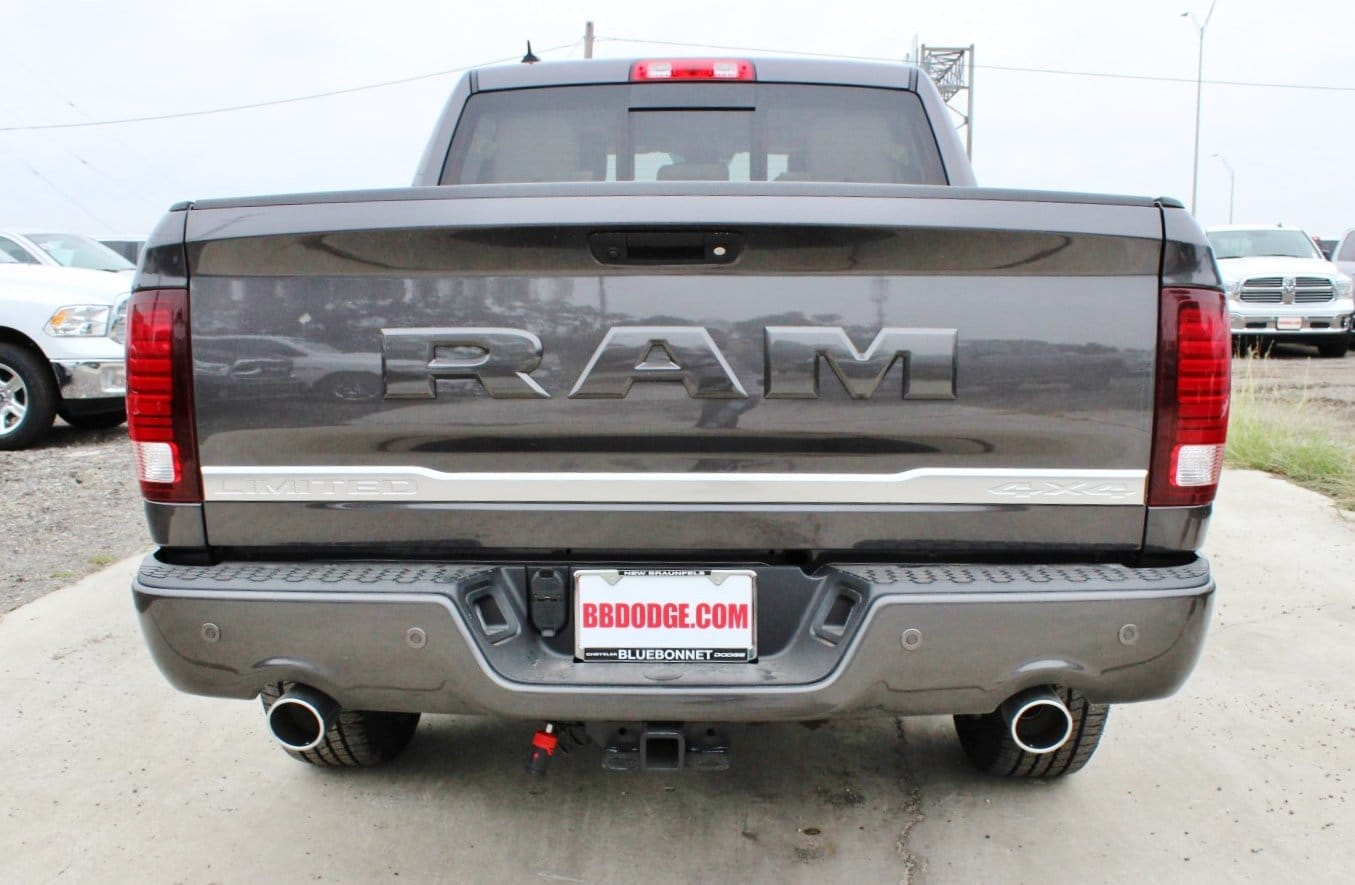2018 Ram 1500 Crew Cab 4x4 Pickup #TS151160 - photo 12