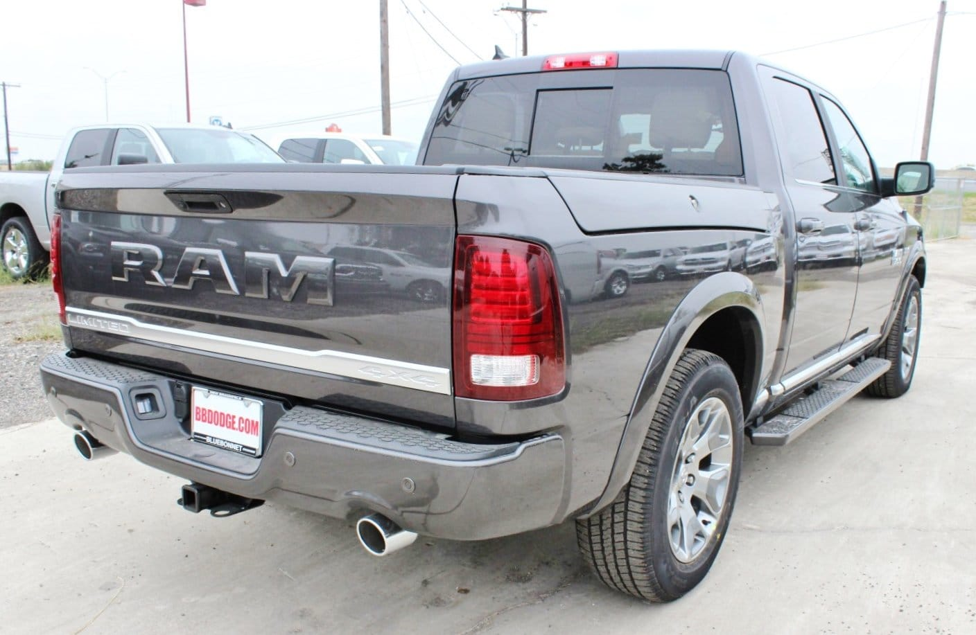 2018 Ram 1500 Crew Cab 4x4 Pickup #TS151160 - photo 2